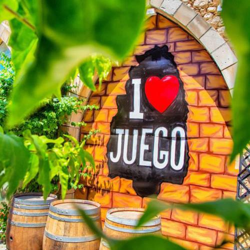 Juego Café & Lounge Bar