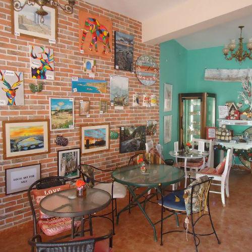 Peggy's Garden Café & Deli