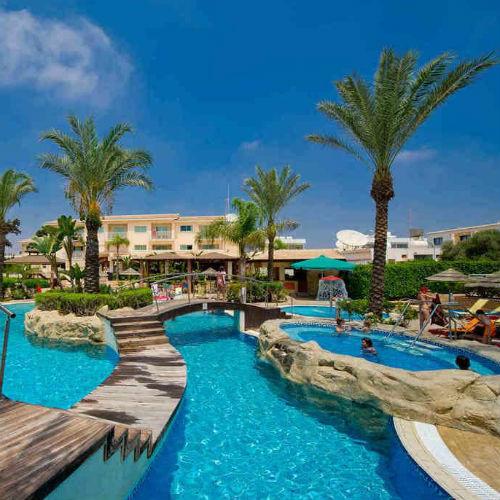 Tasia Maris Sands Hotel